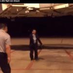 Vidéo: Ils jouent au Dacau sur le tarmac de l'aéroport!